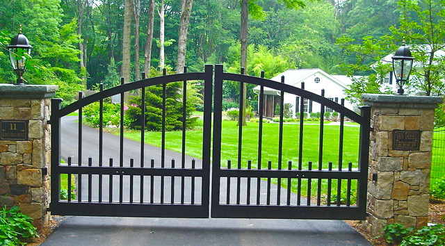Traditional Home Fencing And Gates